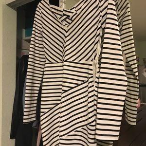 Black and white long sleeve dress like new